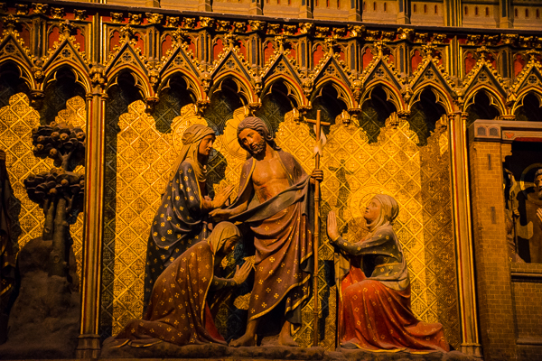 A biblical scene on a screen of the choir og the Notre-Dame in Paris.